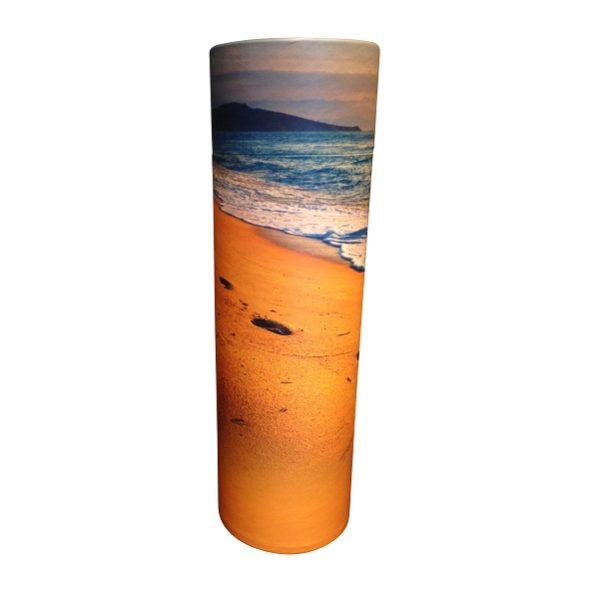 strooikoker met zee en strand